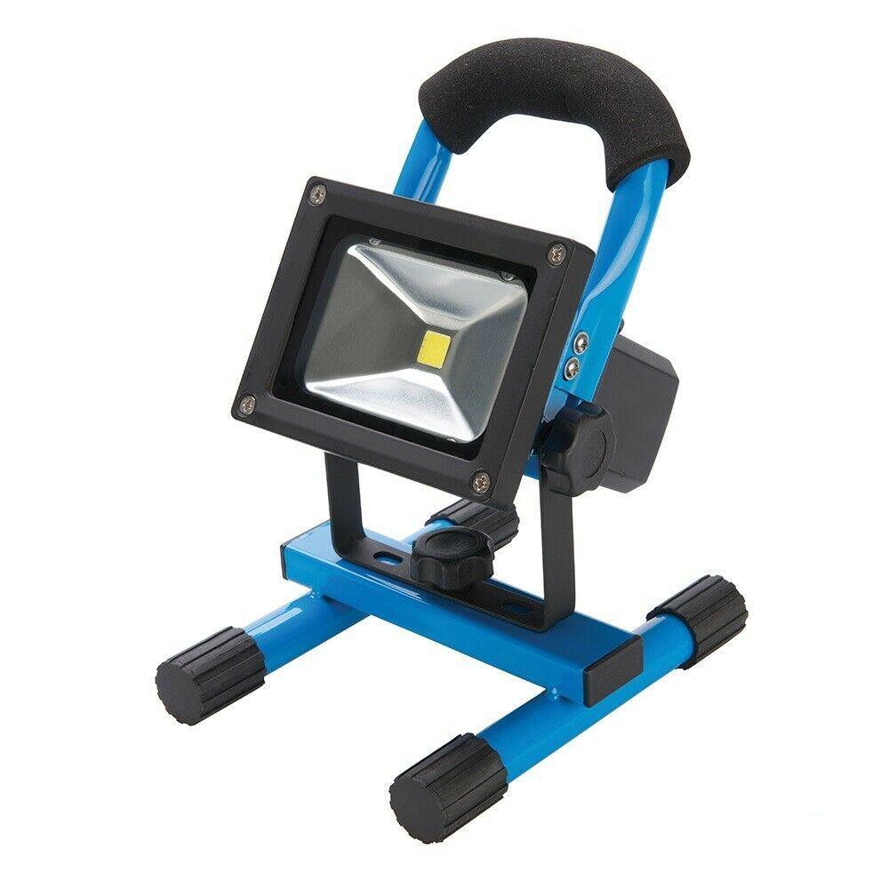 Silverline 258999 LED Rechargeable Site Light with USB 10W 700 Lumens
